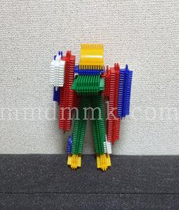 ペタペタブロックで作ったロボットの写真